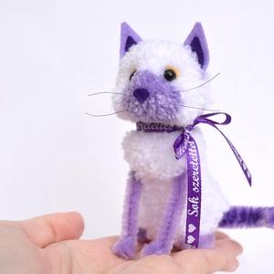 Orgona a lila-fehér kis cica - Meska.hu
