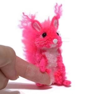 Fény mókus - neon pink - Meska.hu
