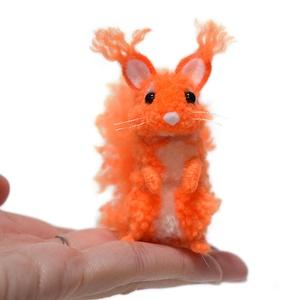 Fény mókus - neon narancssárga - Meska.hu