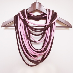 Nyaklánc pólóanyagból rózsaszín szürkésbarna, Ékszer, Táska, Divat & Szépség, Nyaklánc, Sál, sapka, kesztyű, Ruha, divat, Nyaklánc pólóanyagból rózsaszín szürkésbarna hangulatban. Ezek a textil szálak nem csak szétvágott c..., Meska