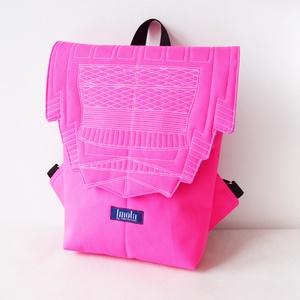 Neon pink vízlepergető kicsi hátizsák épület mintával, Táska, Táska, Divat & Szépség, Hátizsák, Varrás, Neon pink vízlepergető kicsi uniszex hátizsák épület mintával. Inspirálója a Hágai Zurichtoren, a tá..., Meska
