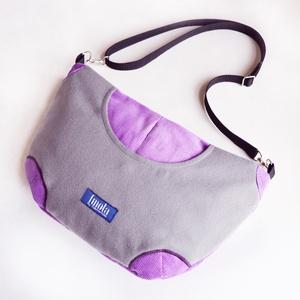 Pluto szürke lila kis táska, Biciklis táska, Biciklis & Sporttáska, Táska & Tok, Varrás, Pluto szürke lila kis táska, állítható pánttal. Lila kordurából és szürke pihe-puha gyapjúból. Újrah..., Meska