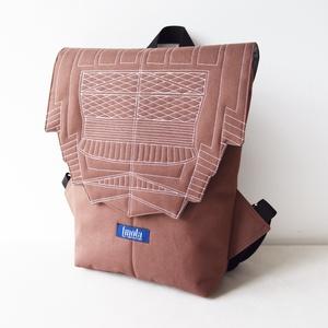 Fahéj barna vízlepergető kicsi hátizsák épület mintával - táska & tok - hátizsák - hátizsák - Meska.hu