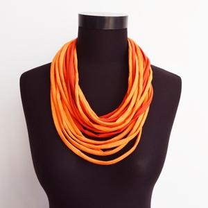 Nyaklánc pólóanyagból narancs, Ékszer, Táska, Divat & Szépség, Nyaklánc, Sál, sapka, kesztyű, Ruha, divat, Nyaklánc pólóanyagból narancssárga hangulatban. Ezek a textil szálak nem csak szétvágott csíkok,hane..., Meska