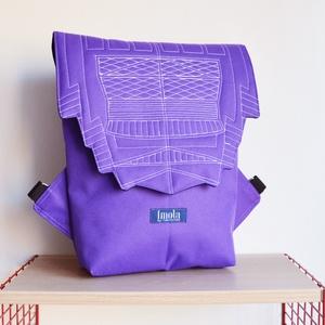 Lila vízlepergető kicsi hátizsák épület mintával - táska & tok - hátizsák - hátizsák - Meska.hu