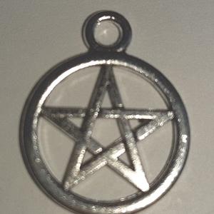 Pentagram medál, Gyöngy, ékszerkellék, Ékszerkészítés, Ezüst színű pentagram medál.  Átmérője: 2cm  Ár/db, Alkotók boltja
