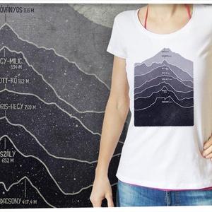 Magyarország hegyei női Stars pólón, Ruha & Divat, Póló, felső, Női ruha, Magyarország hegyeit öltheted magadra ezzel a pólóval, amin a hegyvonulatok rajzolatát az Országos K..., Meska
