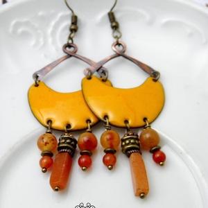 Karola - tűzzománc fülbevaló  (világosnarancs), Esküvő, Ékszer, Fülbevaló, Ékszerkészítés, Tűzzománc, Elegáns, nőies, könnyű viselet.\nA fülbevaló teljes egészében vörösrézből készült, a vörösréz alapot ..., Meska
