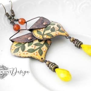 InBloom - tűzzománc fülbevaló (virágos sárga), Ékszer, Lógós fülbevaló, Fülbevaló, Elegáns, nőies, könnyű viselet. A fülbevaló teljes egészében vörösrézből készült, az alapot formára ..., Meska