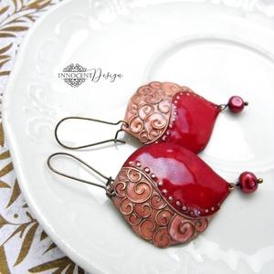 Léna - tűzzománc fülbevaló (bordó-rózsaszín), Ékszer, Fülbevaló, Elegáns és vagány fülbevaló az ünnepi szetthez :)  Vörösrézből hajlított és domborított formára csig..., Meska