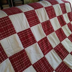 Patchwork kézzel készült takaró, Lakberendezés, Otthon & lakás, Lakástextil, Takaró, ágytakaró, Patchwork, foltvarrás, Kockás fehér,piros pamut  anyagból készült takaró,ágytakaró. Mosható,illetve kimosva árulom,tehát be..., Meska