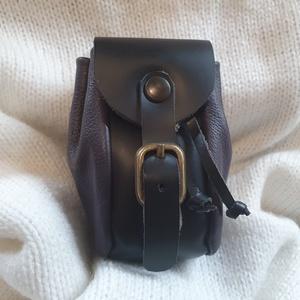 Bőrkulcstartó - Táska, Táska & Tok, Kulcstartó & Táskadísz, Kulcstartó, Bőrművesség, Bőrből készült kulcstartó - Táska\n\nMérete: 9×6 cm\n               \n             , Meska