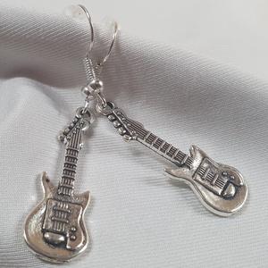 Fülbevaló - gitár - Meska.hu
