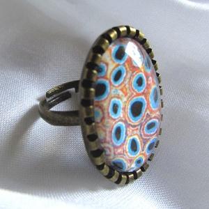 ÚJ KOLLEKCIÓ-vintage modern mintás gyűrű, Ékszer, Gyűrű, Üveglencsés gyűrű, Ékszerkészítés, Modern képet tettem  üveglencse alá.\nA lencse mérete:25x18mm\n\nA gyűrű állítható.\n\n, Meska