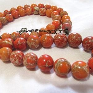 CSÁSZÁRKŐ-gyöngysor, Ékszer, Nyaklánc, Gyöngyös nyaklác, Ékszerkészítés,   Csodás narancsos CSÁSZÁRKŐ  gyöngyökből fűzött gyöngysor.\n\nA gyöngyök mérete: 10mm, 8mm\nHossza:50c..., Meska