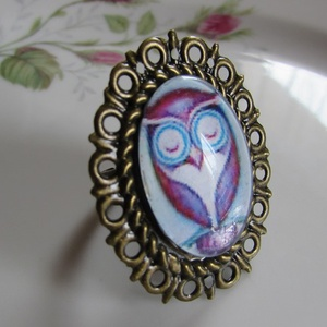 ÚJ KOLLEKCIÓ-vintage BAGOLY gyűrű, Ékszer, Gyűrű, Üveglencsés gyűrű, Ékszerkészítés, Baglyos képet tettem  üveglencse alá.\nA lencse mérete:25x18mm\n\nA gyűrű állítható.\n\n, Meska