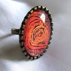 ÚJ KOLLEKCIÓ-vintage NARANCS modern gyűrű, Ékszer, Gyűrű, Üveglencsés gyűrű, Ékszerkészítés, Modern képet tettem  üveglencse alá.\nA lencse mérete:25x18mm\n\nA gyűrű állítható.\n\n, Meska