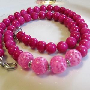 ÜVEGGYÖNGY-gyöngysor/ pink/, Ékszer, Nyaklánc, Gyöngyös nyaklác, Ékszerkészítés, Gyönyörű pink üveggyöngyökből  fűzött mutatós gyöngysor. \nA gyöngyök mérete: 8mm, 10mm\nA  gyöngysor ..., Meska
