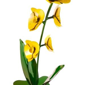 Talpas acél orchidea (sárga) , Dekoráció, Otthon & lakás, Dísz, Lakberendezés, Szerelmeseknek, Ünnepi dekoráció, Fémmegmunkálás, Talpas acél orchidea (sárga) \nKézzel készült ámde gépek segítségével mint pl:hegesztő és köszorű gép..., Meska