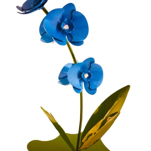 Talpas acél orchidea (halvány kék) , Lakberendezés, Otthon & lakás, Dekoráció, Dísz, Szerelmeseknek, Ünnepi dekoráció, Fémmegmunkálás, Talpas acél orchidea (halvány kék) \nKézzel készült de gépek segítségével mint pl:hegesztő és köszorű..., Meska