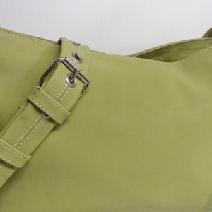 """Szélesfogójú válltáska - zöld, Táska, Divat & Szépség, Táska, Szatyor, Válltáska, oldaltáska, Bőrművesség, A táska mérete: 37x26x12 cm.\nKülönleges \""""libazöld\"""" marhabőrből készült.\nCipzáras, belül szintén cipz..., Meska"""