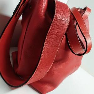 Bevásárló táska fáradt pirosban, Táska, Divat & Szépség, Táska, Laptoptáska, Válltáska, oldaltáska, A táska igazi bevásárló, minden szükséges holmi belefér, de iratok, könyvek, laptop, kották részére ..., Meska