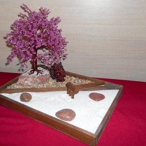 Nagy asztali Zen kert, Otthon & Lakás, Dekoráció, Gyöngyfűzés, gyöngyhímzés, A békés percek mély átéléséhez kiválóan használható ez az asztali zen kert. Ajándéknak, dísznek is k..., Meska
