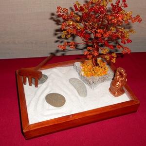 Asztali Zen kert, Otthon & Lakás, Dekoráció, Gyöngyfűzés, gyöngyhímzés, A békés percek mély átéléséhez kiválóan használható ez az asztali zen kert. Ajándéknak, dísznek is k..., Meska