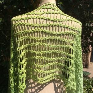 Zöld vízesés - horgolt stóla / sál , Táska, Divat & Szépség, Ruha, divat, Sál, sapka, kesztyű, Kendő, Sál, Női ruha, Horgolás, Ha szereted a zöld színt és egy egyedi kiegészítőt keresel akkor ez a stóla Neked készült.\nZöld ombr..., Meska