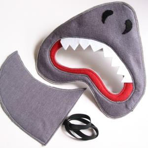 Cápa farsangi jelmez szett – rendelhető!, Farsang, Ünnepi dekoráció, Dekoráció, Otthon & lakás, Varrás, Egyedi tervezésű, filc anyagból készült, aprólékos és gondos munkával ez a cápa álarc és a hozzá ill..., Meska