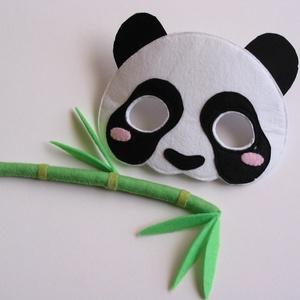 Cuki panda jelmez szett - RENDELHETŐ!, Otthon & lakás, Dekoráció, Ünnepi dekoráció, Farsang, Varrás, Egyedi tervezésű, filc anyagból készült, aprólékos és gondos munkával ez a panda álarc és a hozzá il..., Meska