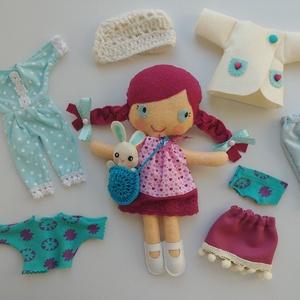 Titi- öltöztethető textilbaba kis nyuszival és kiegészítőkkel (azonnal vihető!), Gyerek & játék, Játék, Baba, babaház, Varrás, Kedves, mosolygós,fonott copfos baba, mindenféle ruha darabbal és egy aprócska nyuszival. Arca kézze..., Meska