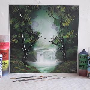 Erdei vízesés festmény - festékszóróval készült, Otthon & lakás, Képzőművészet, Festmény, Festmény vegyes technika, Festészet,  Festményemet fényes kartonra készítettem. Egy csodaszép tájképet ábrázol az erdei fák között zubogó..., Meska