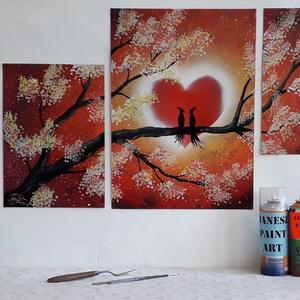 Szerelmes madárpár mozaikfestmény - festékszóróval készült, Otthon & lakás, Képzőművészet, Festmény, Festmény vegyes technika, Festészet,  Festményemet fényes kartonra készítettem. Egy madárpárt ábrázol akik egy ragyogó szív előtt egy faá..., Meska