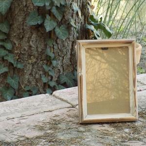 Képkeret-Fotókeret-10x15 cm-es képhez-Pácolt-Fehér-Vékony-43, Férfiaknak, Otthon & lakás, Dekoráció, Lakberendezés, Képkeret, tükör, Famegmunkálás, Kereteim fenyőfából készülnek. A munka során kialakul egy rusztikus, részletgazdag tárgy, aminek szi..., Meska