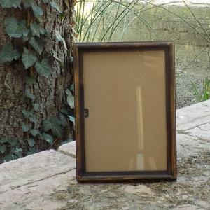 Képkeret-Fotókeret-21x14,7 cm-es (A/5-ös) képhez-Pácolt-Dióbarna-Vékony-59, Farsang, Otthon & lakás, Dekoráció, Lakberendezés, Képkeret, tükör, Kereteim fenyőfából készülnek. A munka során kialakul egy rusztikus, részletgazdag tárgy, aminek szi..., Meska
