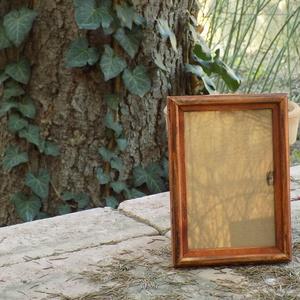 Képkeret-Fotókeret-9x13 cm-es képhez-Pácolt Cseresznye színű-Vékony-33, Férfiaknak, Otthon & lakás, Dekoráció, Lakberendezés, Képkeret, tükör, Kereteim fenyőfából készülnek. A munka során kialakul egy rusztikus, részletgazdag tárgy, aminek szi..., Meska
