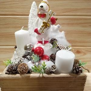 Karácsonyi asztaldísz jegesmaci, Karácsony & Mikulás, Karácsonyi dekoráció, Virágkötés, Karácsonyi asztaldísz natúr fa fiókban, jegesmedve figurával, 2db gyertyával,  egyéb díszekkel kiegé..., Meska