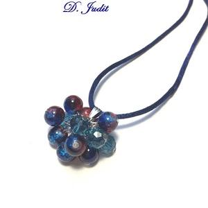 Kék romantika, Nyaklánc, Ékszer, Gyöngyös nyaklác, Ékszerkészítés, Kék, piros színátmenetes  gyöngymedál, nyakrész 48 cm., Meska