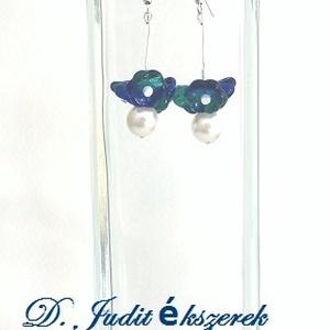 Kék üvegvirág lógós fülbevaló, Ékszer, Fülbevaló, Lógós fülbevaló, Ékszerkészítés, 6 cm hosszú üveggyöngyös fülbevaló, Meska