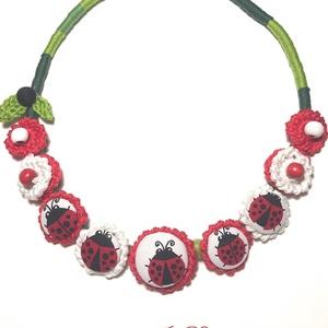 Katicák, Ékszer, Nyaklánc, Statement nyaklánc, Ékszerkészítés, 50 cm hosszú textilékszer, Meska