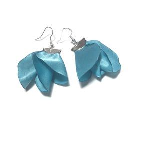 kék selyemvirág, Ékszer, Fülbevaló, Lógó fülbevaló, Ékszerkészítés, 5 cm hosszú selyem fülbevaló., Meska