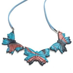 Pillangók, Ékszer, Nyaklánc, Ékszerkészítés, Kerámia, 48 cm bőr nyakrészen 3 pillangó ., Meska