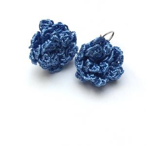 Kék duplavirágos, Ékszer, Fülbevaló, Horgolás, Selyemfonallal horgolt francia kapcsos fülbevaló., Meska