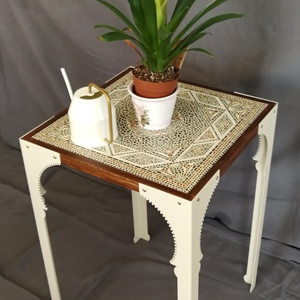 Habibi asztal, Otthon & lakás, Bútor, Asztal, Fémmegmunkálás, Famegmunkálás, 45x45x73 cm. Egyedi megjelenésű asztal, acél lábak, kerámia és fa assztallap. A dizájnt a marokkói é..., Meska