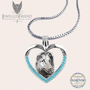 Ausztrál juhász kutya ezüst medál Swarovski kövekkel díszítve nyaklánccal díszdobozban, Ékszer, Medál, Szerelmeseknek, Ünnepi dekoráció, Dekoráció, Otthon & lakás, Állatfelszerelések, Lakberendezés, Ékszerkészítés, Ötvös, Ausztrál Juhász kutya szerelmeseinek, ez az ékszer egy kötelező darab! Öltözz kutyusodhoz, és indulh..., Meska