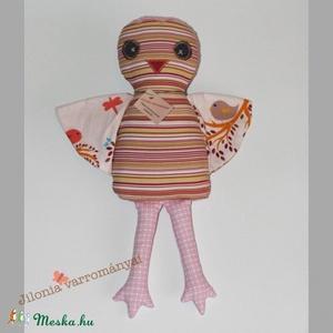 Cinege madárka baba , Madár, Plüssállat & Játékfigura, Játék & Gyerek, Baba-és bábkészítés, Varrás, \nCsíkos pamutvászonból varrtam ezt a madárkát, teljesen egyedi saját terv és szabásminta szerint.\nEr..., Meska