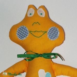 sárga Béka , Játék, Gyerek & játék, Plüssállat, rongyjáték, Játékfigura, Varrás, Baba-és bábkészítés,  Sárga pamutvászon anyagból varrtam... saját tervezésű szabásminta alapján készült. Arcát géppel és ..., Meska