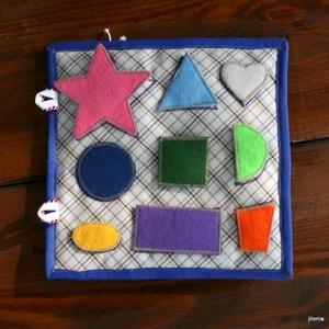 tépőzáras filc formaillesztő kétoldalas textil foglalkoztató lapok ;) rendelésre , Játék & Gyerek, Készségfejlesztő & Logikai játék, Varrás, Patchwork, foltvarrás, \nTépőzáras filc; forma és színek játékos tanulása :)\n\nAz ár 1 db kétoldalas foglalkoztató lapra vona..., Meska