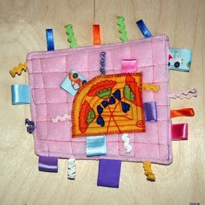 rózsaszín sárga babajáték címkerongyi - játék & gyerek - 3 éves kor alattiaknak - alvóka & rongyi - Meska.hu
